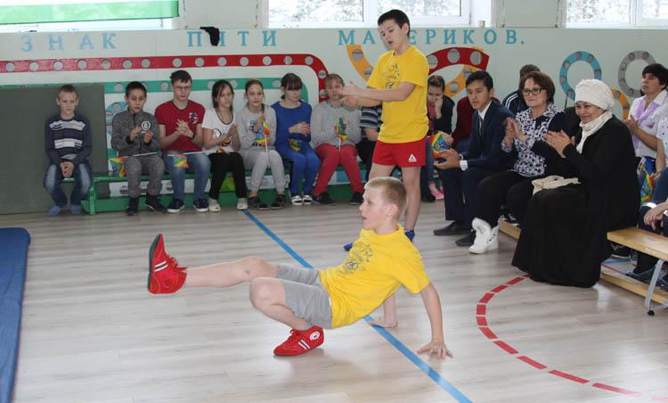 Первый в мире турнир по самбо среди юношей и девушек с инвалидностью по зрению прошел в России