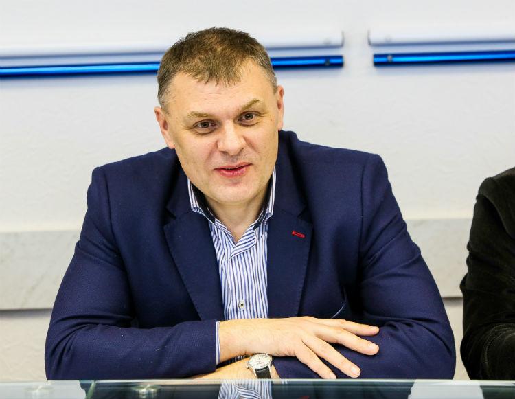 Александр Кобрусев