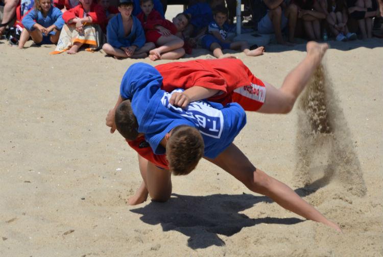 Украина провела первый национальный чемпионат по пляжному самбо